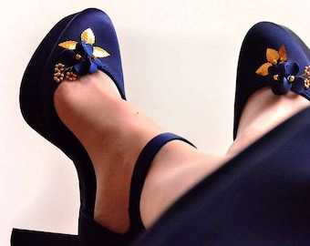 Navy blue and gold shoe clips, Bridal shoe clips, Bridesmaids shoe clips, Flowerg girl shoe clips, Bridal shoes,