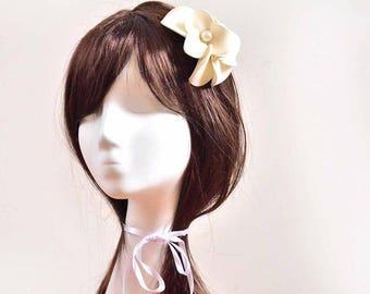 Bridal fascinator Simple fascinator Bridal headpiece Head piece White headpiece White fascinator Flower headpiece Wedding hair comb