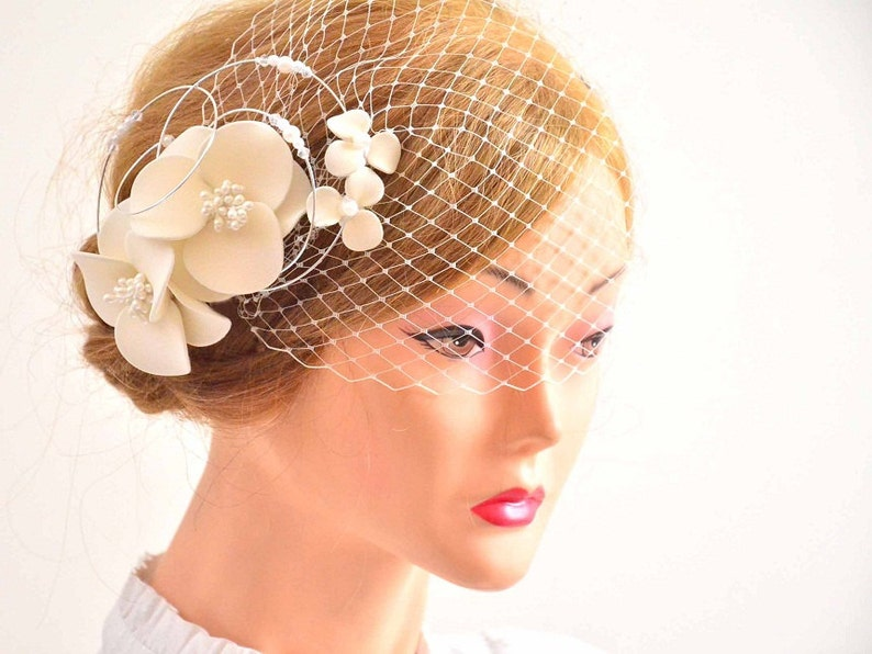 0c09a2079a8a4 Birdcage veil headpiece Bridal veil fascinator Simple