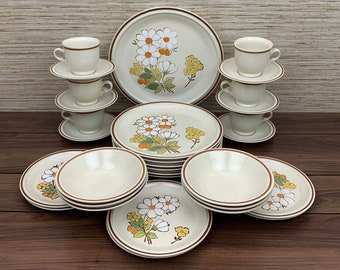 "Vintage Hearthside Stoneware, Floral Expressions ""Summertime"" Design 30 Piece for 6 Dining Guests, 1 Chop Platter"