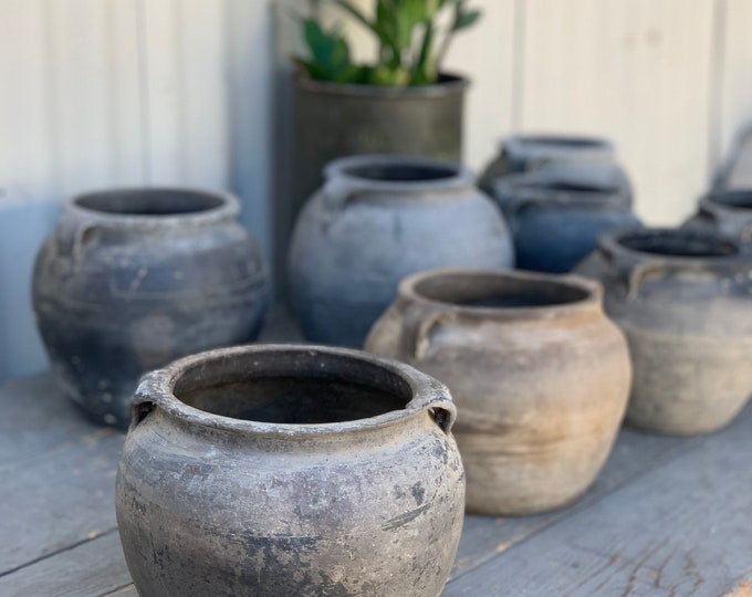 Featured listing image: Medium Rustic Clay Grey Pot (Free Shipping)