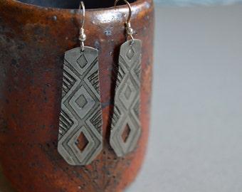 Geometric Feather Cut-out Dangle Earrings