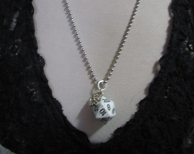 d20 NECKLACE Class Talisman Dungeons and Dragons Dice (Ranger/Druid)