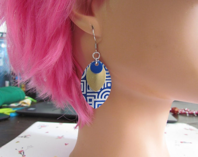Triple Layer Scalemail Earrings (Blue/Gold/Blue Geometric)