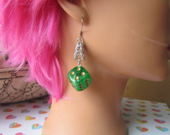 Green/White Swirled w/Gold Pips d6 Chainmail Earrings STAINLESS STEEL HOOKS