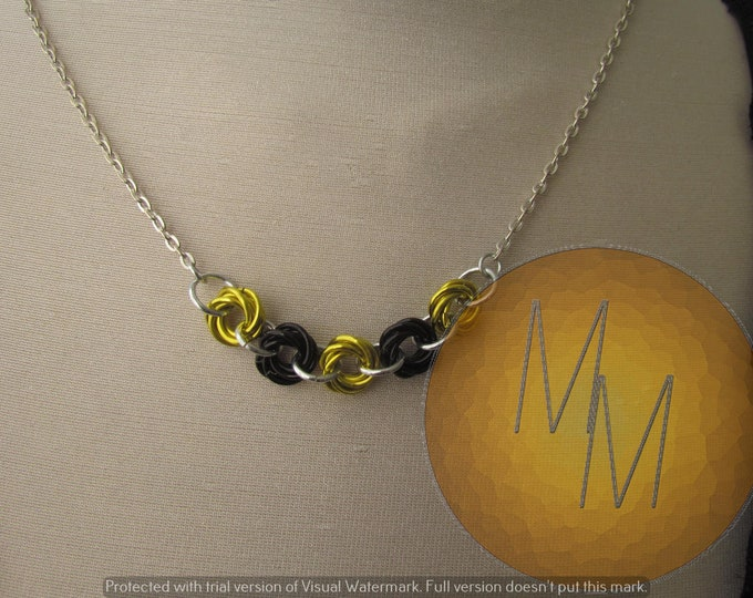 Chainmail Rosette Necklace Black & Yellow