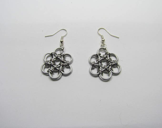 CLEARANCE - Chainmail Daisy Earrings - Frost White