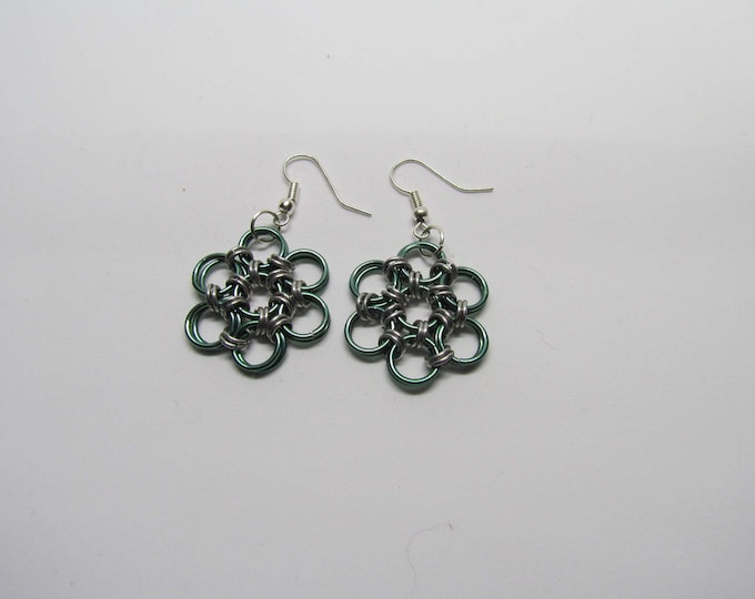 CLEARANCE - Chainmail Daisy Earrings - Green