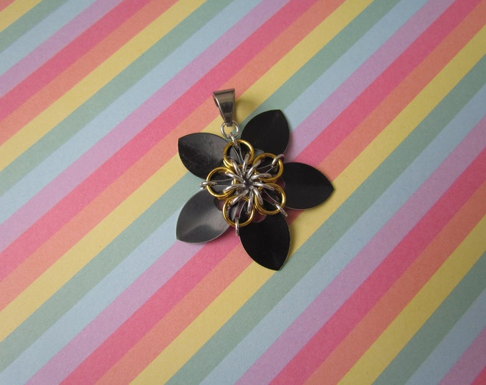 Scale Flower Pendant (Black/Gold)
