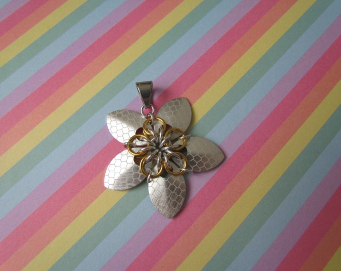Scale Flower Pendant (Silver Dragonscale/Gold REVERSIBLE)