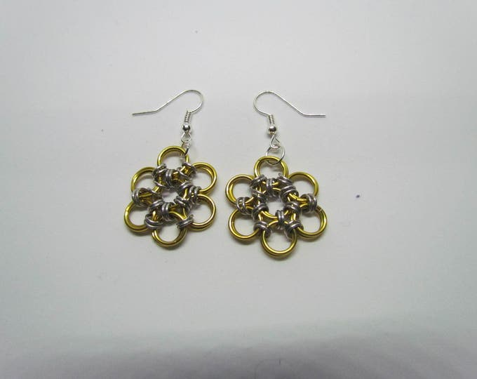 CLEARANCE - Chainmail Daisy Earrings - Gold