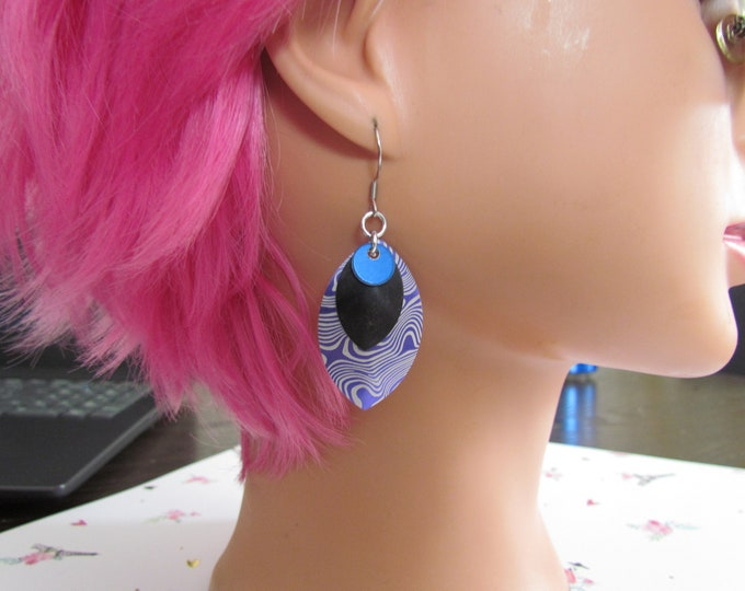 Triple Layer Scalemail Earrings (Blue/Black/Purple Damascus)