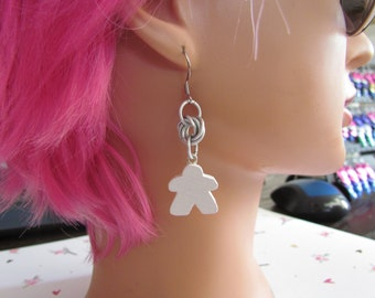 Meeple Rosette Earrings WHITE