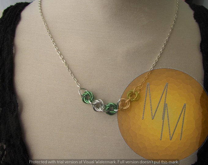 Chainmail Rosette Necklace Green & Silver