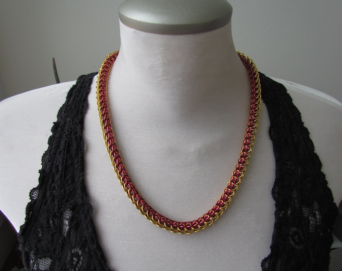 Red & Gold 6in1 Chainmail Necklace