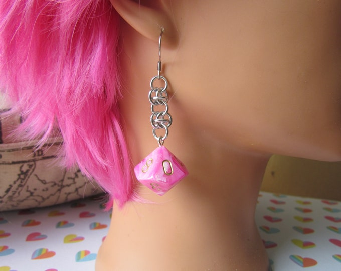 Pink/White Swirled d10 Chainmail Earrings STAINLESS STEEL HOOKS