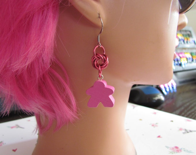 Meeple Rosette Earrings PINK