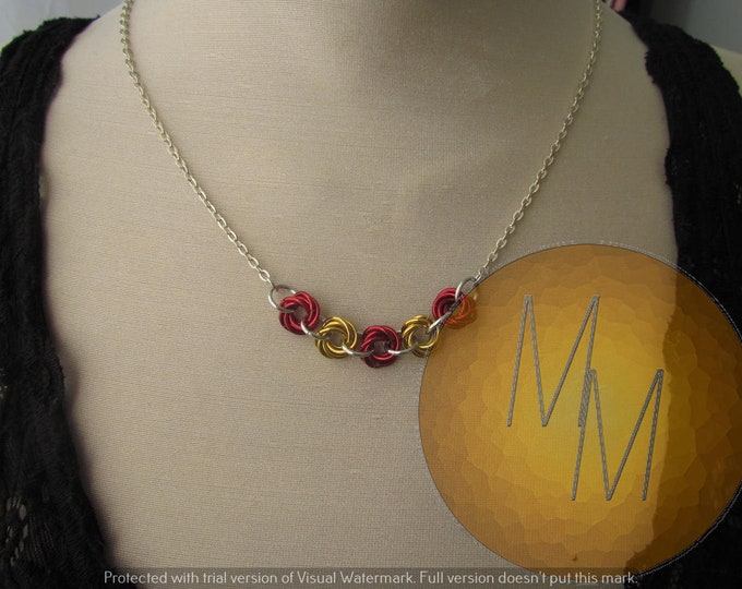 Chainmail Rosette Necklace Red & Gold