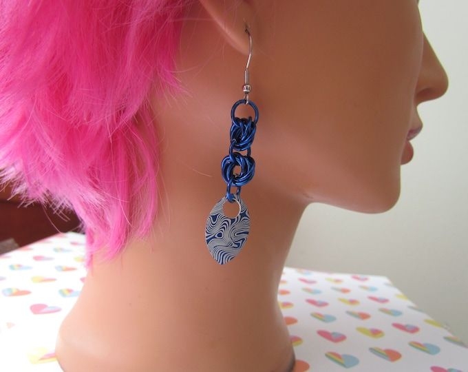 Double Mobius Knot Earrings - Blue Damascus