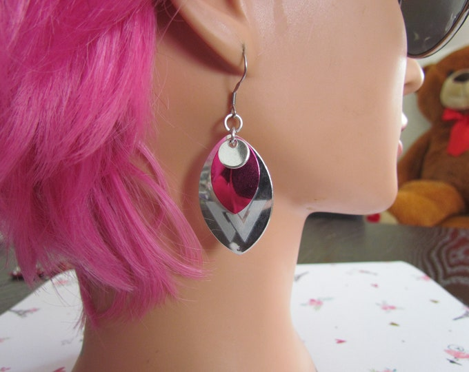 Triple Layer Scalemail Earrings (Silver/Hot Pink/Silver Valknut)