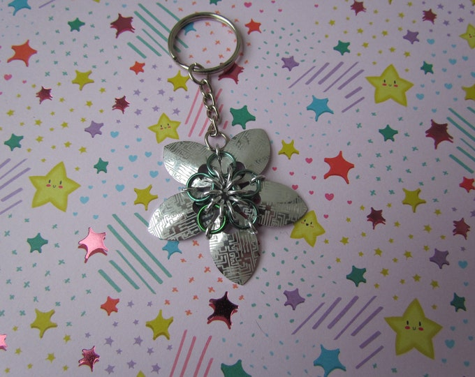 Scalemail Flower Keychain (Silver Circuit Board/Green REVERSIBLE)