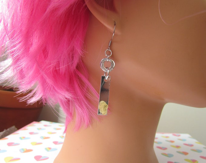 Gemstone Mobius Knot Earrings - Yellow Apatite