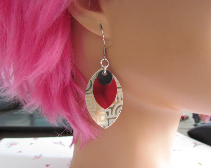 Triple Layer Scalemail Earrings (Black/Red/Gold Geometric)