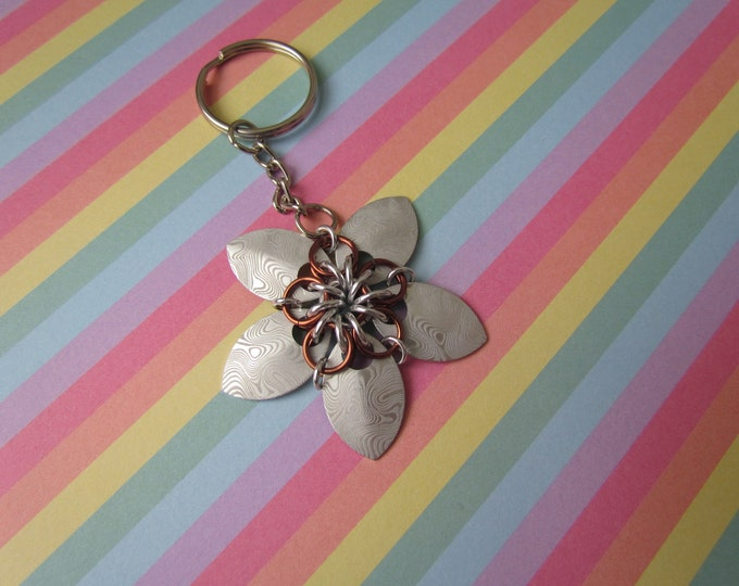 Scalemail Flower Keychain (Silver Damascus/Brown REVERSIBLE)
