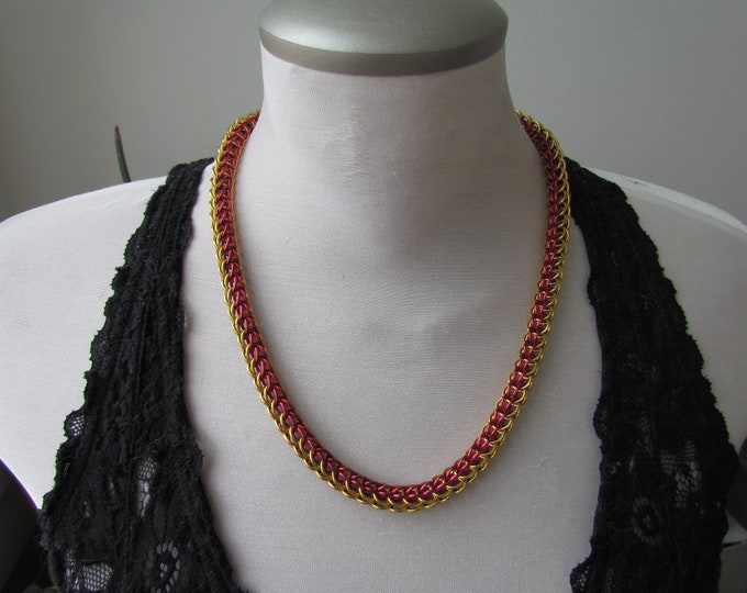 CLEARANCE - Red & Gold 6in1 Chainmail Necklace
