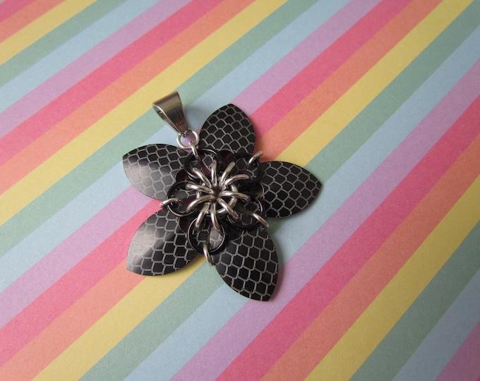 Scale Flower Pendant (Black Dragonscale/Black REVERSIBLE)
