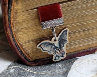 Velvet bookmark, with sustainable wood bat charm. Gift for book lover, vintage look bookmark, ribbon bookmark. Halloween  accessories