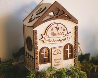 Pretty customizable wooden house box