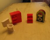 DOLLHOUSE FURNITURE, 4 pcs. incl., vintage, plastic, toilet, radio, stereo, night stand, table, jukebox, collectible, doll( DH1)