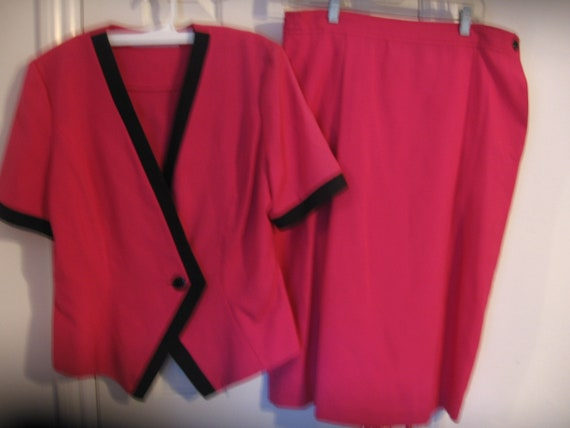 Legally Blonde costume, MS Chaus, Hot pink suit,size 14, jacket with skirt, black trim, pocket in pleated skirt, vintage