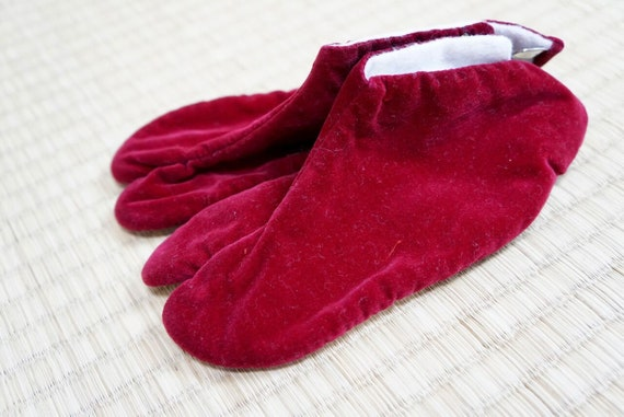 Japanese kid tabi red velvet 15 cm new, baby socks