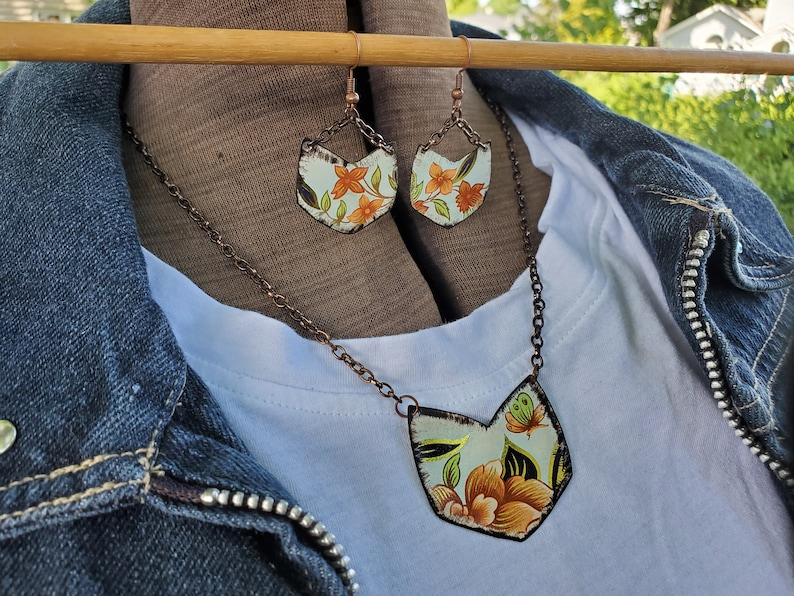 Lightweight Necklace and Earring Set Floral Jewelry for Women Tin Jewelry Handcrafted Jewelry Bohemian Necklace Coral Jewelry Set