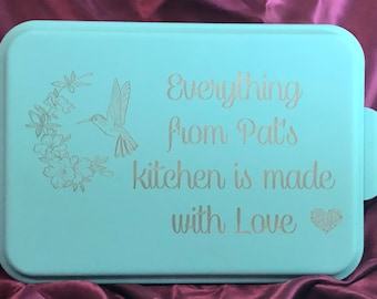 Personalized Cake Pan with Lid, Covered Engraved Baking Pan
