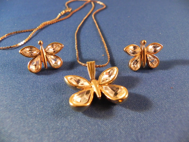 Vintagei Butterfly  Pendant /& Earrings Marked Trifari Clear Colored Crystals Post Earrings