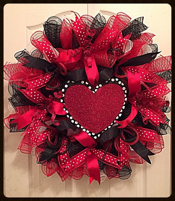 Elegant Valentine S Day Heart Deco Mesh Wreath Black And Etsy