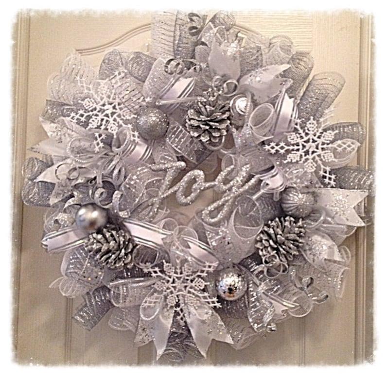 Winter Wonderland Pinecone Deco Mesh Wreath/Christmas Wreath