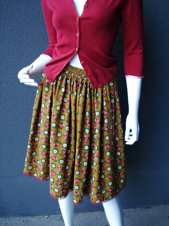 roses Skirt with skirt roses unique and and unique fabric daisies 60s with margarites wFCwq0T