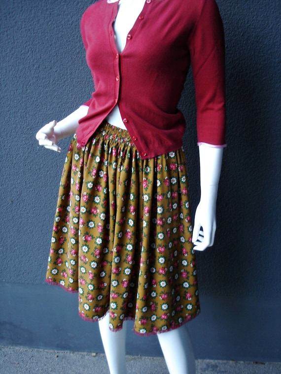 and 60s and unique margarites unique daisies with roses fabric roses with skirt Skirt aq48yCZ6Z