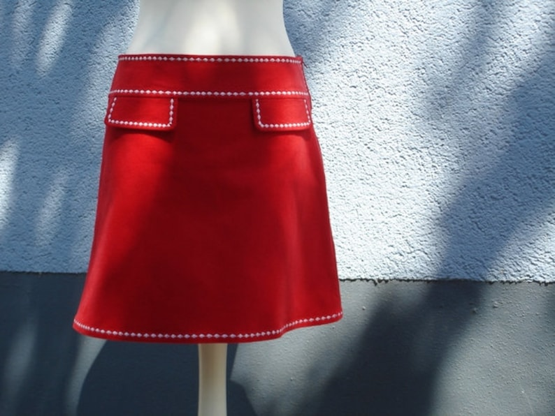 newest 12f71 dd346 Rock Cordrock COWGIRL Rot mit Stickerei in Weiß Damenrock skirt corduroy  red with white stitchery