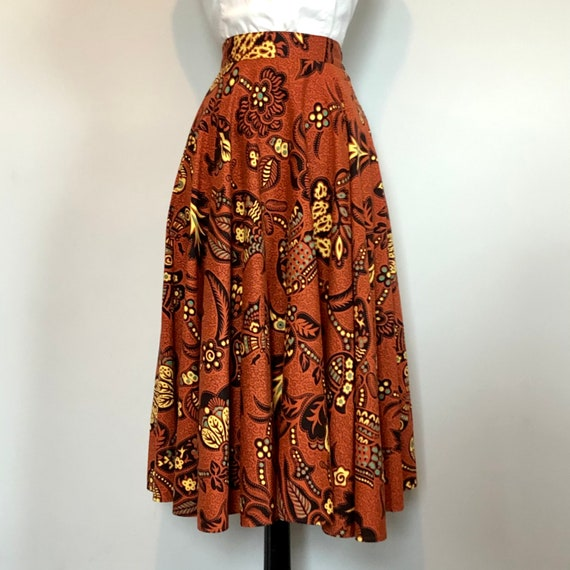 Gorgeous Vintage 1950's Butterfly Novelty Print S… - image 2