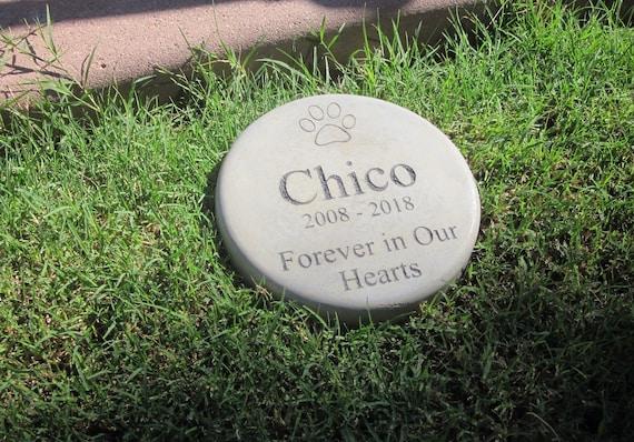 cat Custom Engraved Pet Memorial Stone 7.5 Diameter /'Forever in Our Hearts