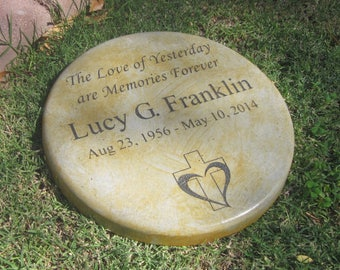 Memorial & Tribute Stone 11 inch The Love of Yesterday are Memories Forever