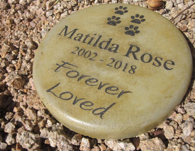 Custom Engraved Pet Memorial Stone 7.5 Diameter image 0