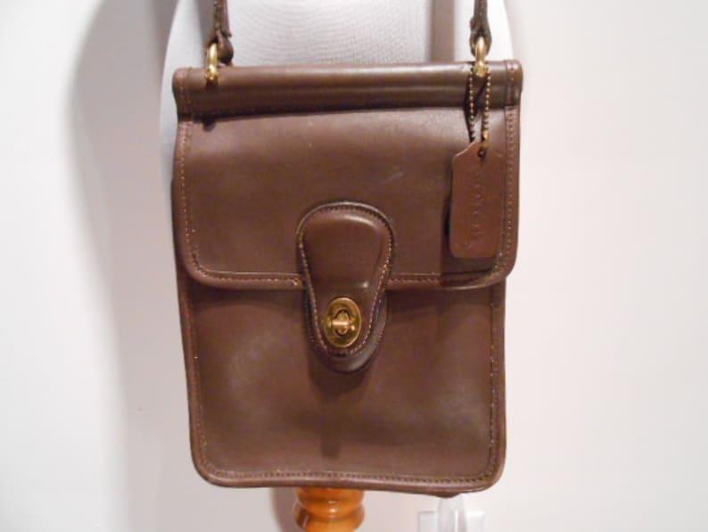 f9c2006a09 Vintage Coach Station Bag Crossbody Purse Small Brown 9978