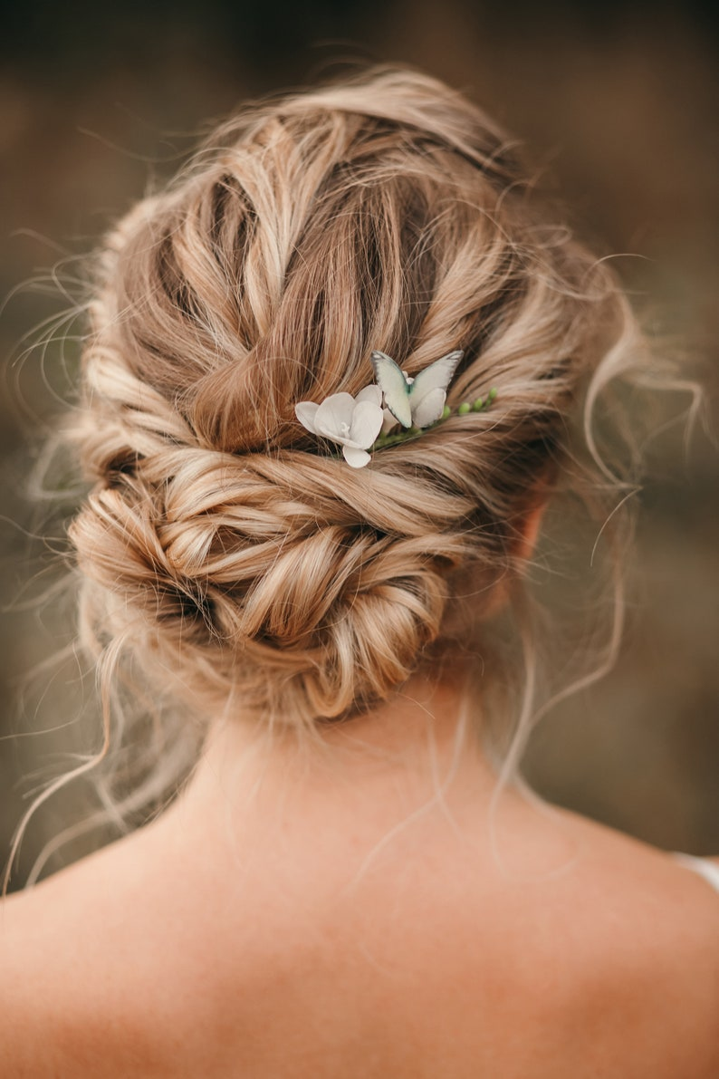 Bridal flower pin Clay hair accessories White floral comb Floral head piece for bride Wedding flower hair piece Butterfly head piece