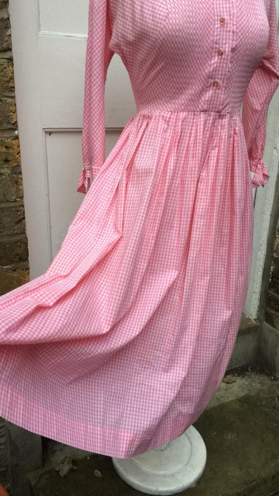 Pretty pink 50s gingham dress - image 8